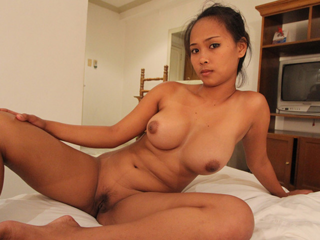 Share your Filipina girl legs spread nude that